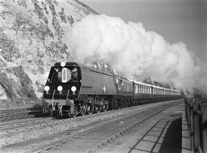 Southern Railway (SR) MN Pacific no.35019 'French Lines' at Dover. (P. Ransome Wallis