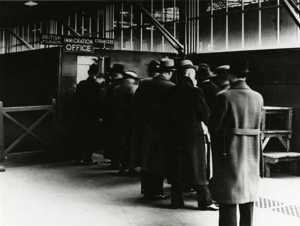London victoria station southern railway immigration office london victoria station photo - London immigration office ...