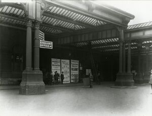 Manchester Exchange station, London Midland and Scottish Railway (formerly London
