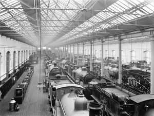 Paint shop at Derby works, 1914
