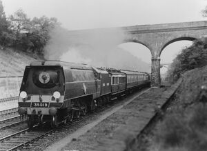 Southern Railway (SR) locomotive 35019 'French Line CGT' (Sonning Cutting 1948)