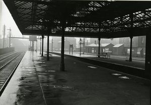 Wigan station, Lancashire & Yorkshire Railway. View of platforms looking towards Liverpool