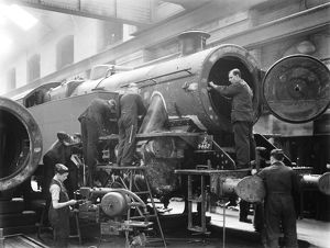 Workers building a locomotive at Derby works, 1945